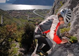 insegnare l'arrampicata ai bambini