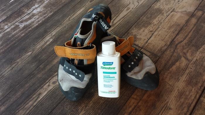 La polvere deodorante Timodore base di Timo