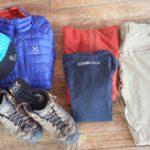 Escursioni in montagna d'estate. L'abbigliamento indispensabile