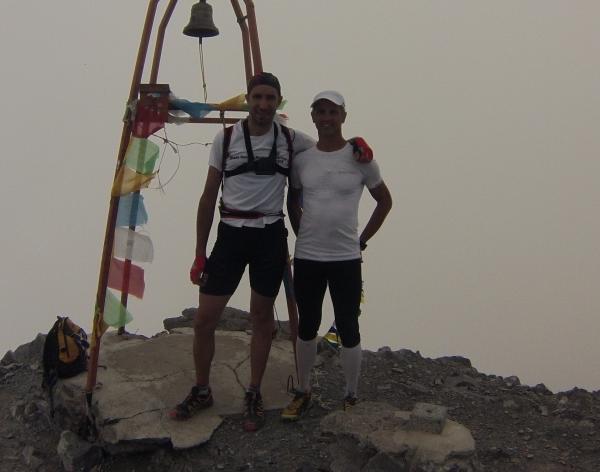 Arrivo In mezzo alle nuvole sulla cima del Monte Coglians 2780 mt
